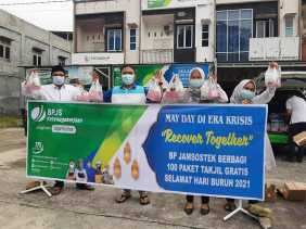 BPJS Ketenagakerjaan Siak Ikut Peringati Hari Buruh Sedunia Dengan Berbagi Takjil