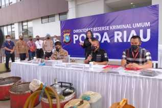 Kencing Solar Libatkan Karyawan Operator Feeling Set Di TBBM Pertamina Dumai Digulung Polda Riau
