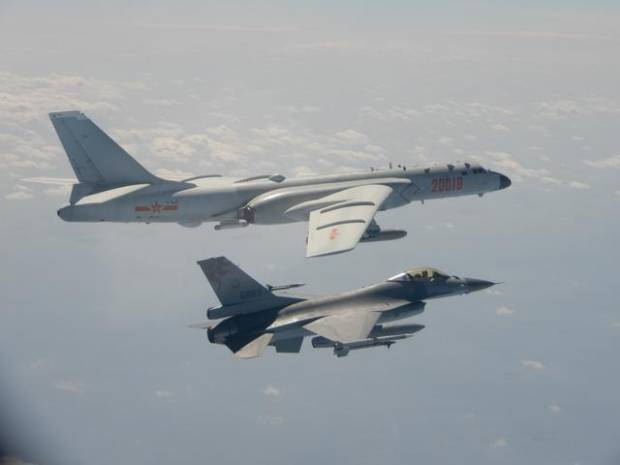 11 Jet Tempur dan Pembom China Dekati Pratas, Taiwan Aktifkan Rudal