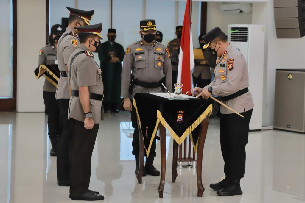 Pimpin Sertijab, Kapolda Riau : Jaga Solidaritas Internal Dan Tingkatkan Kerjasama Stakeholder